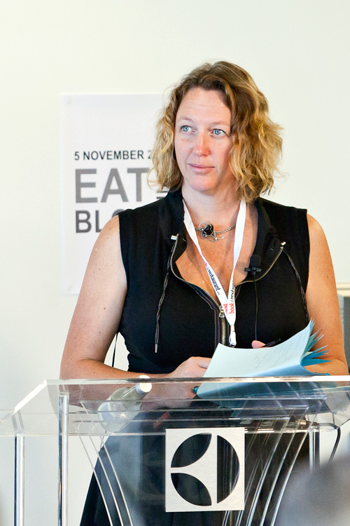 Tammi Jonas (@tammois) the MC for Eat Drink Blog 2011