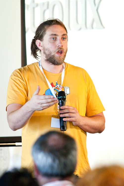 Michael Gall (@MyAchingHead) presenting at the SEO seminar, EDB2011