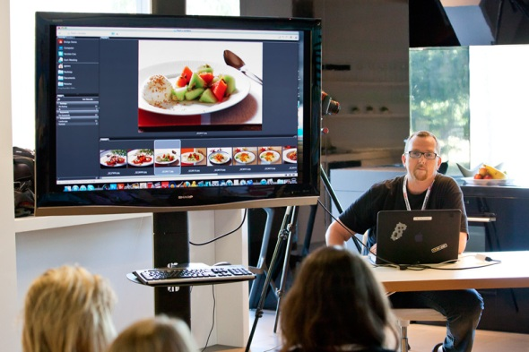 Quentin Jones presenting at the EDB2011 Food Photography Workshop